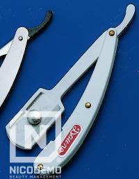 Briciu pentru barbierit Daune (Compatibil cu urmatoarele modele de lame: D100, D112, D113, D102)